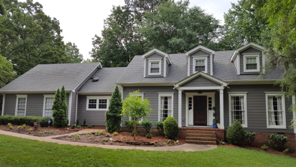 hardie-cedarmill-siding-with-hardie-shake-aged-pewter-color-1_resized
